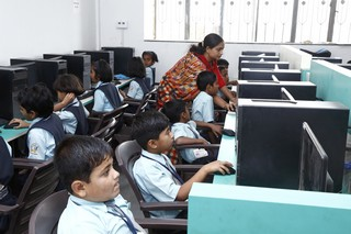Computer Lab with 24/7 Internet Facility